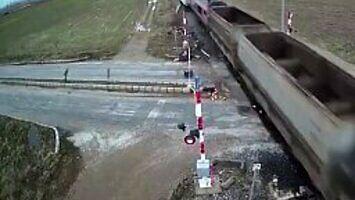 Wypadek na przejeździe kolejowym w Turcji