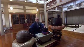 Mnich ma zaskakującą mantrę do medytacji