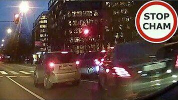 Cwaniak w Mercedesie uczulony na klakson blokuje drogę