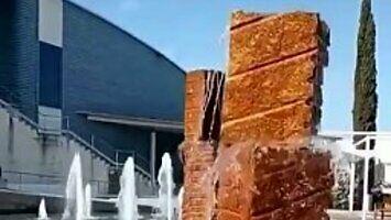 Takiej fontanny jeszcze nie widziałeś