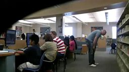 Pierdzenie w bibliotece