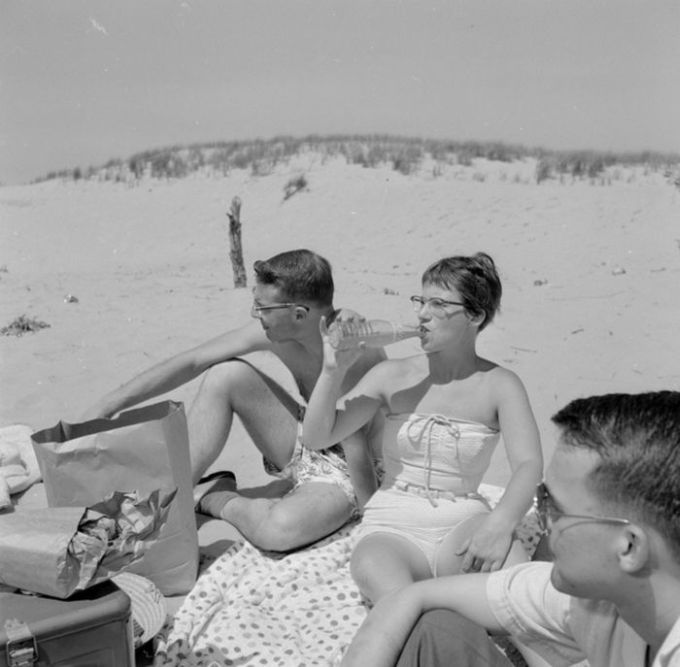teens_in_the_1950s_vs_teens_today_01
